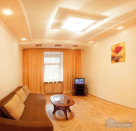 Квартира у центрі Львова, 2-кімнатна (63601), 002