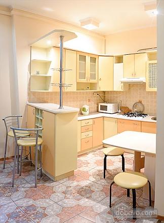 Квартира у центрі Львова, 2-кімнатна (63601), 003