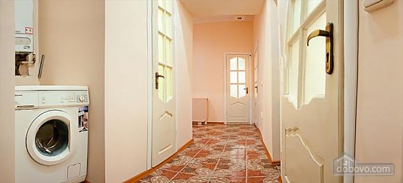 Квартира у центрі Львова, 2-кімнатна (63601), 004