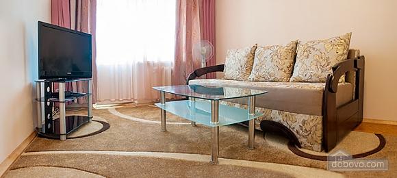 Бюджетная квартира недалеко от центра, 1-комнатная (52185), 003