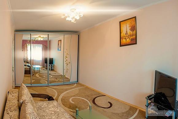 Бюджетная квартира недалеко от центра, 1-комнатная (52185), 004