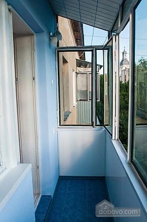 Бюджетная квартира недалеко от центра, 1-комнатная (52185), 005