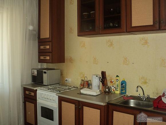Квартира рядом с центральным рынком, 2х-комнатная (15796), 007