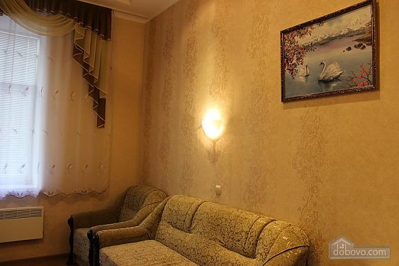 Квартира близко к торговым центрам, 1-комнатная (21128), 001