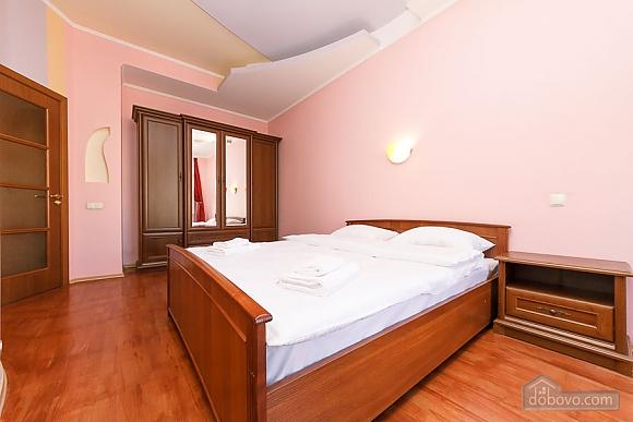 Apartment with view on Nezalezhnosti square, One Bedroom (50677), 006