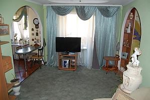 Квартира біля ТРЦ Ocean Plaza, 2-кімнатна, 003