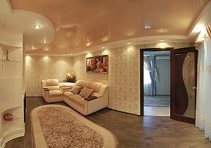 Уютная и приятная квартира в центре города, 2х-комнатная, 002