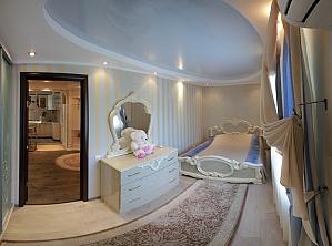 Уютная и приятная квартира в центре города, 2х-комнатная, 013