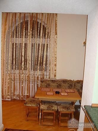 Квартира в самом центре, 3х-комнатная (61412), 003