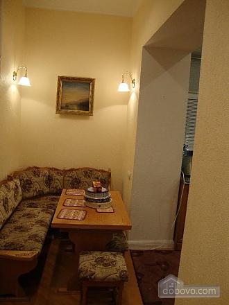 Квартира в самом центре, 3х-комнатная (61412), 005