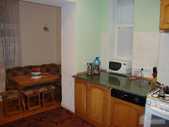 Квартира в самом центре, 3х-комнатная (61412), 007