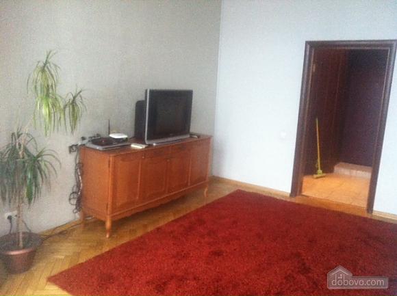 Квартира на центральной улице, 2х-комнатная (98821), 006