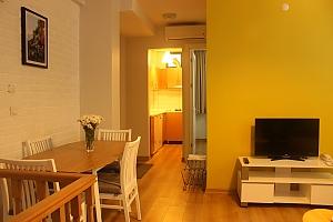 Світлі апартаменти, 3-кімнатна, 002