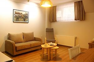 Світлі апартаменти, 3-кімнатна, 003