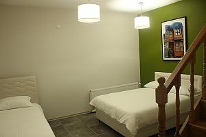 Світлі апартаменти, 3-кімнатна, 001