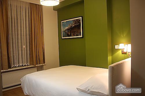 Светлая и уютная квартира, 2х-комнатная (81462), 003