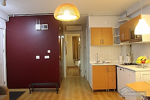 Apartment in calm colors, One Bedroom, 003