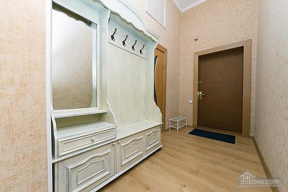 Апартаменты возле метро Олимпийская, 2х-комнатная (83549), 008