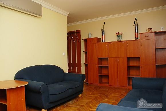 Apartment near Klovska metro station, Due Camere (37062), 002