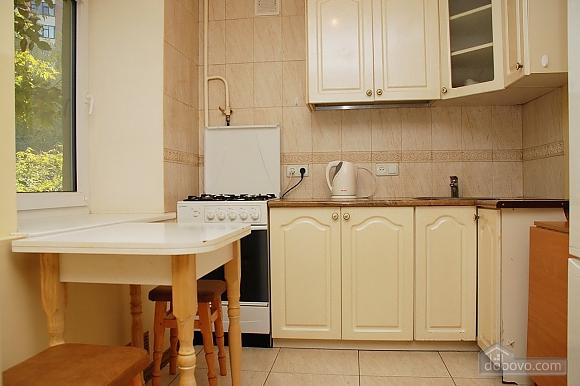 Apartment near Klovska metro station, Due Camere (37062), 007