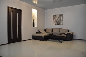 VIP апартаменти біля метро Позняки, 2-кімнатна, 003