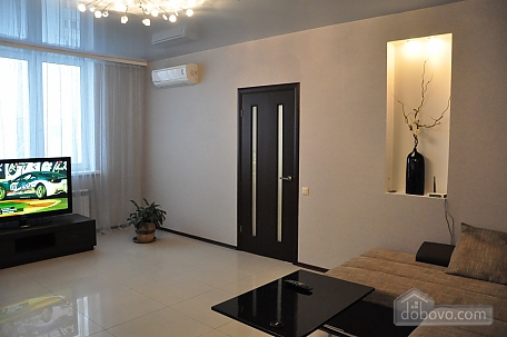 VIP apartment near to Poznyaky station, Una Camera (98778), 006