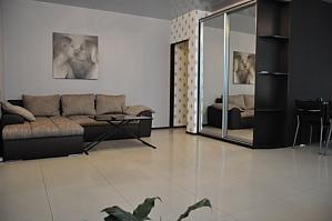 VIP апартаменти біля метро Позняки, 2-кімнатна, 004