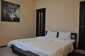 VIP апартаменти біля метро Позняки, 2-кімнатна, 001