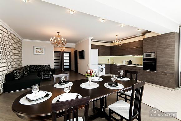 Шикарна квартира з великою терасою, 3-кімнатна (93956), 007