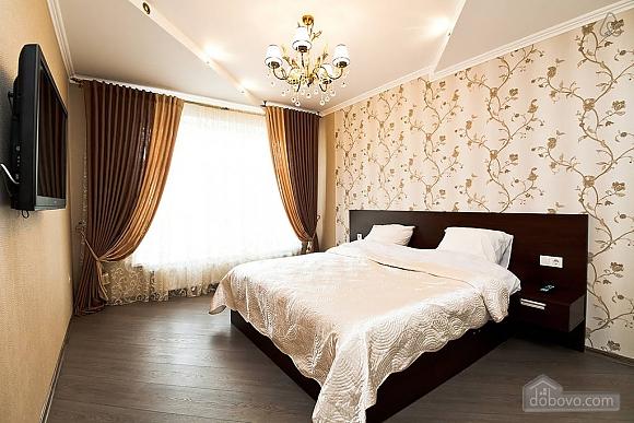 Шикарна квартира з великою терасою, 3-кімнатна (93956), 001
