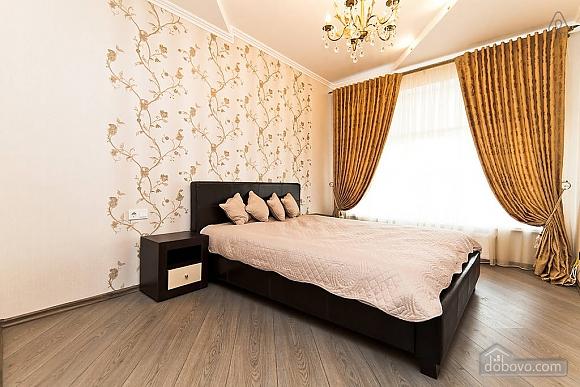 Шикарна квартира з великою терасою, 3-кімнатна (93956), 003