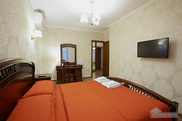 Просторная и современная квартира, 2х-комнатная (72051), 001