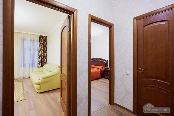 Просторная и современная квартира, 2х-комнатная (72051), 007
