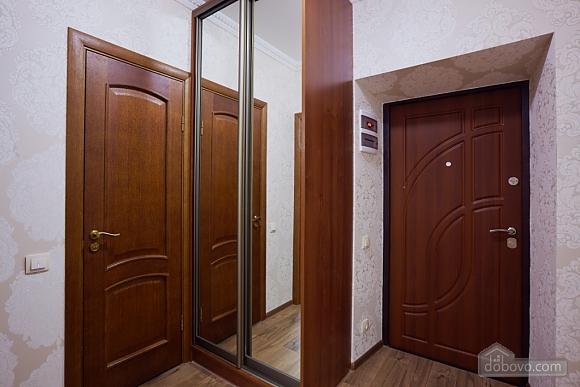 Просторная и современная квартира, 2х-комнатная (72051), 010