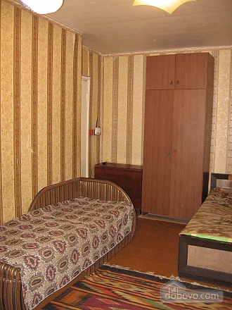 Apartment near Heroiv Pratsi metro station, Studio (87686), 001