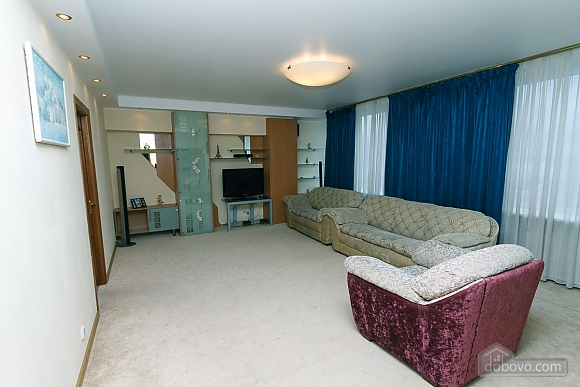 VIP apartment in the historical center of Kiev, Due Camere (13446), 002
