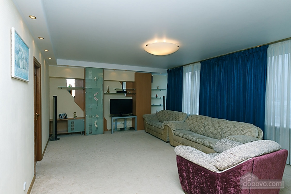 VIP apartment in the historical center of Kiev, Due Camere (13446), 003