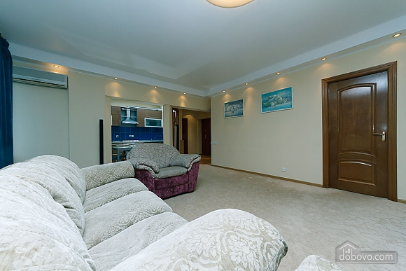 VIP apartment in the historical center of Kiev, Due Camere (13446), 008