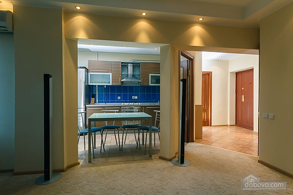 VIP apartment in the historical center of Kiev, Due Camere (13446), 010