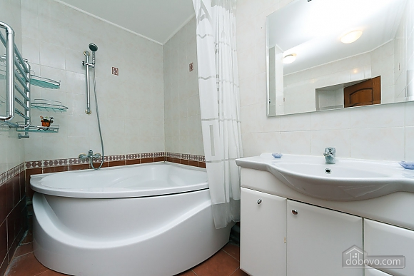 VIP apartment in the historical center of Kiev, Due Camere (13446), 021