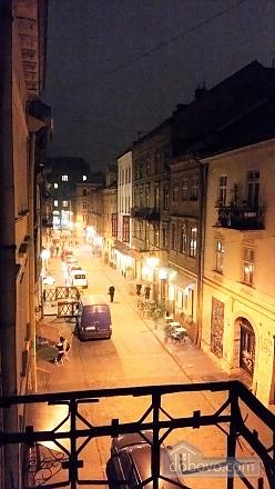 Apartment on the Rynok square with balcony, Una Camera (33788), 003