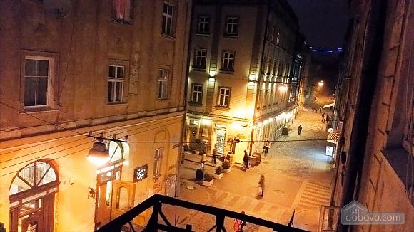 Apartment on the Rynok square with balcony, Una Camera (33788), 004