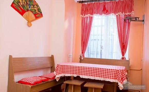 Apartment on the Rynok square with balcony, Una Camera (33788), 007