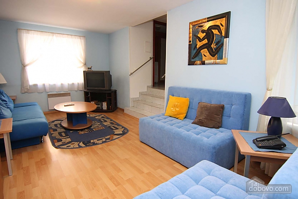Cosy apartment opposite to McDonalds, Due Camere (70560), 004