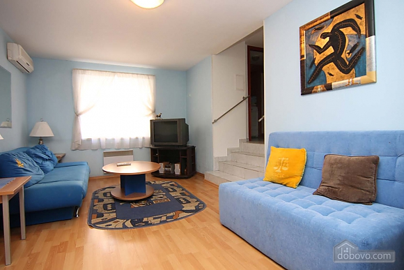 Cosy apartment opposite to McDonalds, Due Camere (70560), 005