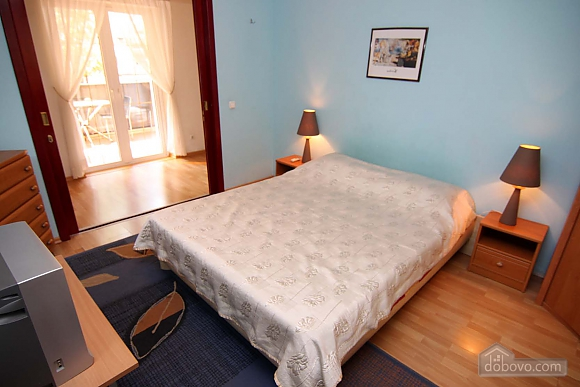 Cosy apartment opposite to McDonalds, Due Camere (70560), 003