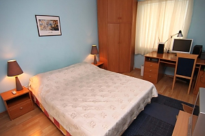 Cosy apartment opposite to McDonalds, Due Camere, 002