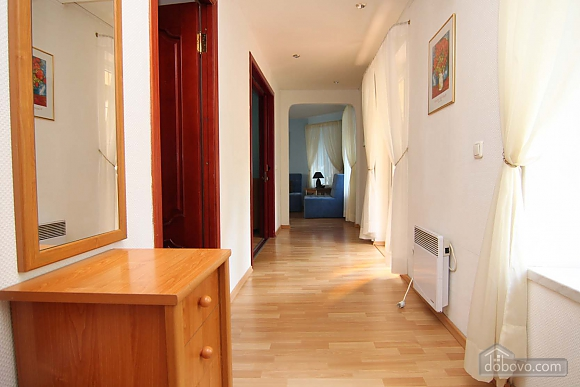 Cosy apartment opposite to McDonalds, Due Camere (70560), 012