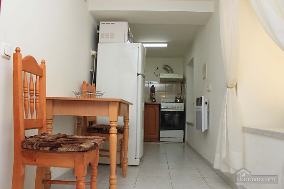 Cosy apartment opposite to McDonalds, Due Camere (70560), 013