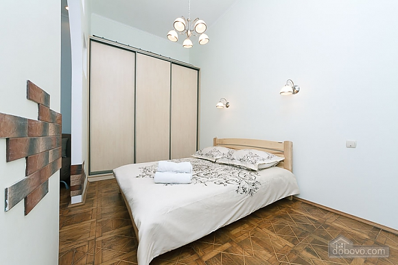 Close to the сentre in the old town, Un chambre (13868), 013